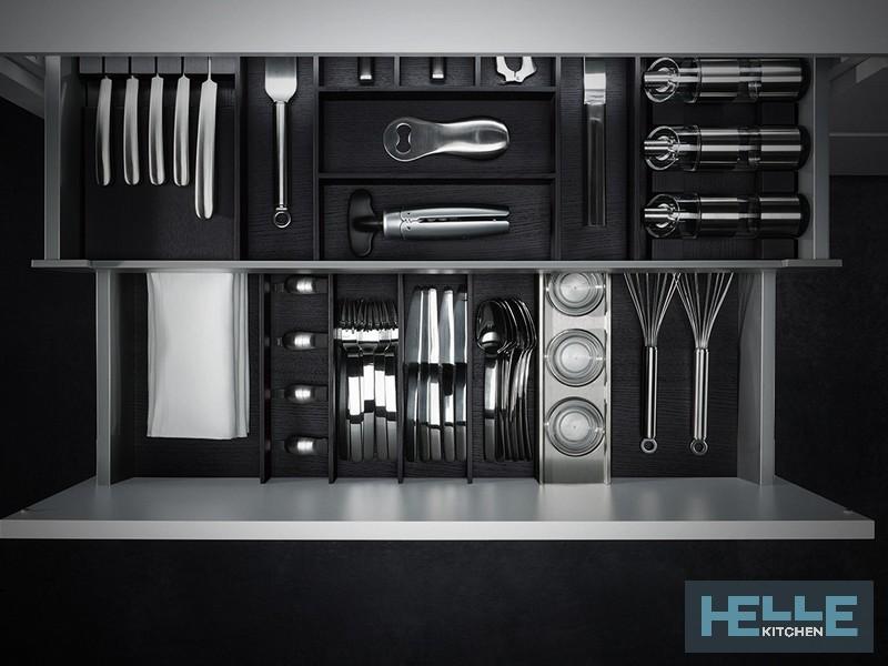 Riviera Helle Kitchen cucina bianca in vetro attrezzatura interna