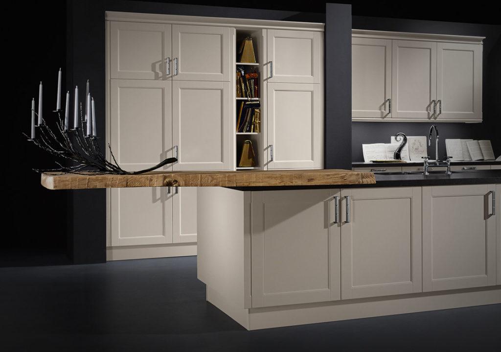 provenza penisola in legno cucina Helle Kitchen